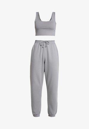 SCOOP NECK BRALET JOGGER SET - Pantalon de survêtement - grey