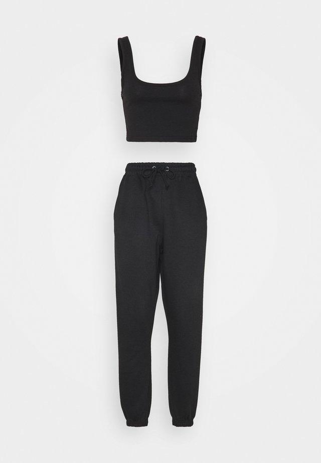 SCOOP NECK BRALET JOGGER SET - Pantalon de survêtement - black