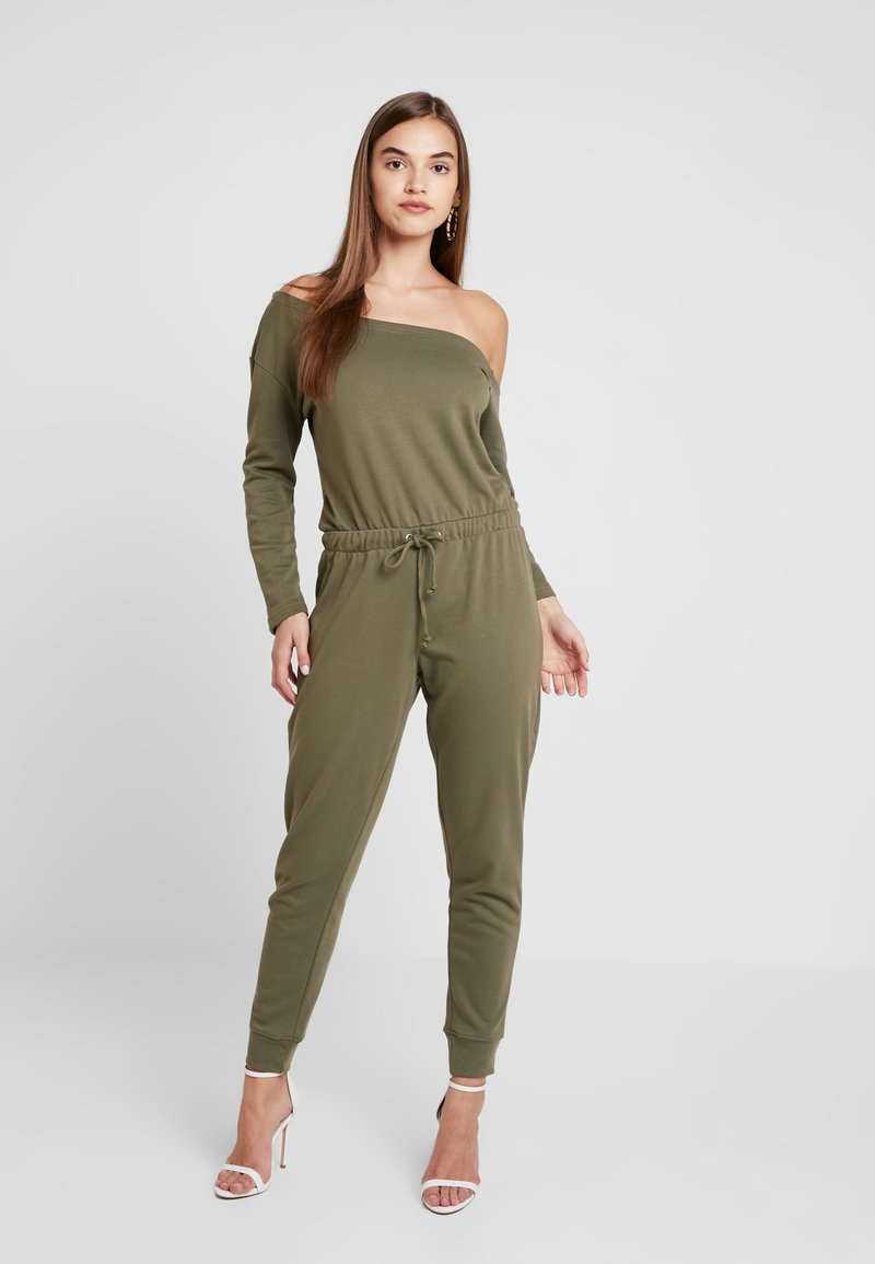 Missguided - OFF SHOULDER DRAWSTRING WAIST JUMPSUIT - Haalari - khaki