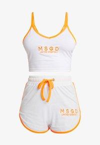 Missguided - SLEEVELESS ROUND NECK CROP RUNNER SET - Shorts - white/orange - 4