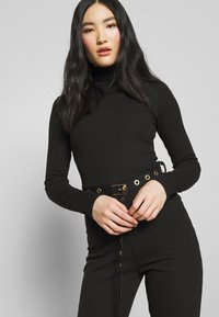 Missguided - HIGH NECK BELTED LONG SLEEVE - Jumpsuit - black - 3