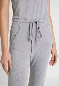 Missguided - SLEEVELESS - Overall / Jumpsuit /Buksedragter - grey - 4
