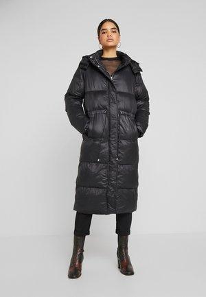 LONGLINE PUFFER  - Zimní kabát - black