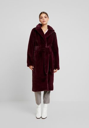 DOUBLE BREASTED BELTED WAIST COAT - Winterjas - burgundy