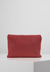 Missguided - CIRCULAR CHAINMAIL FOLD OVER - Pochette - red - 2