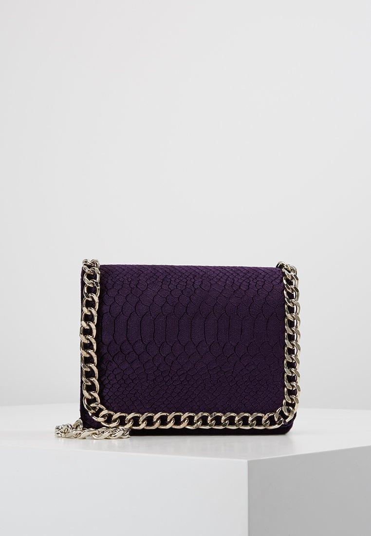 Missguided - CHAIN TRIM CROSS BODY BAG - Sac bandoulière - dark purple