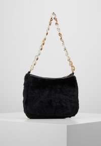 Missguided - CHAIN DETAIL HANDBAG - Handbag - black - 2