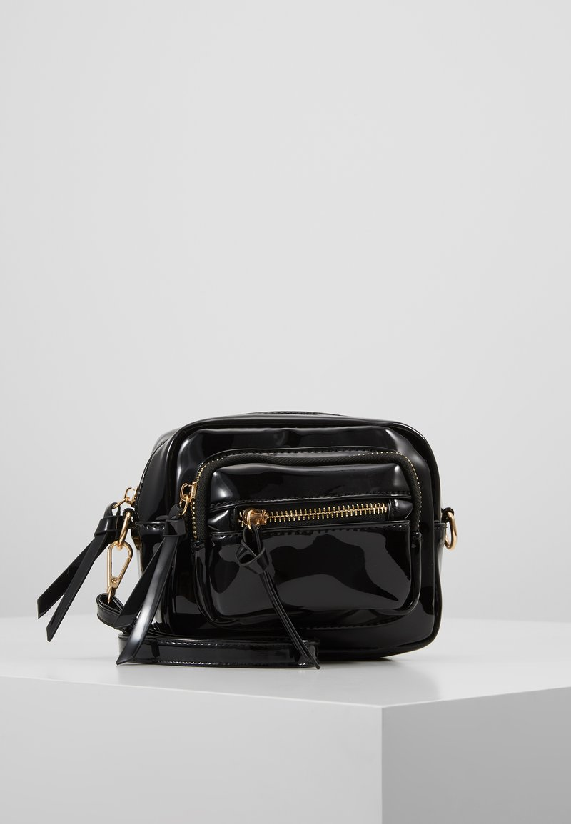 Missguided - ZIP DETAIL CROSS BODY BAG - Umhängetasche - black