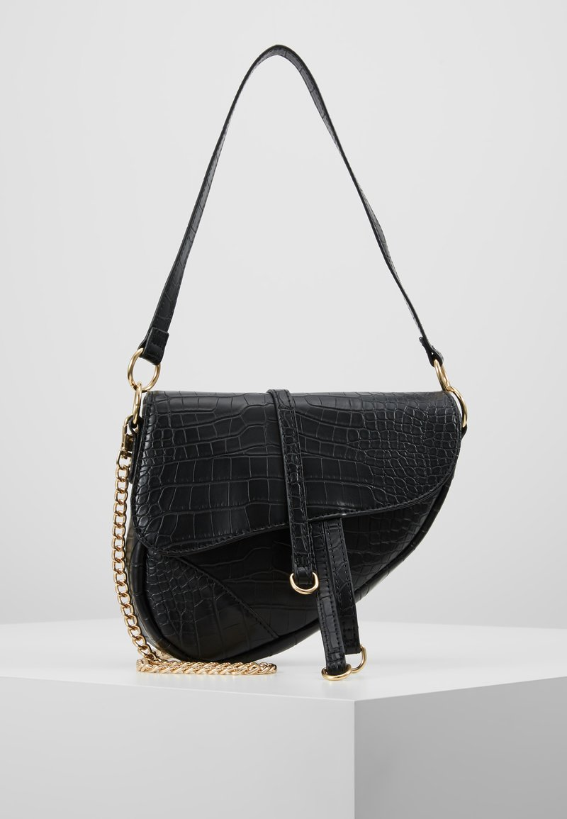 Missguided - CROC CHAIN DETAIL SADDLE BAG - Håndveske - black
