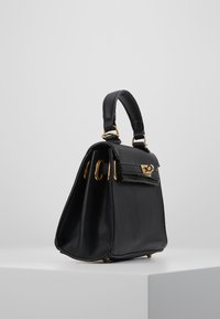Missguided - CLASP DETAIL CROSS BODY HANDBAG MINI HANDBAG - Handtas - black - 3