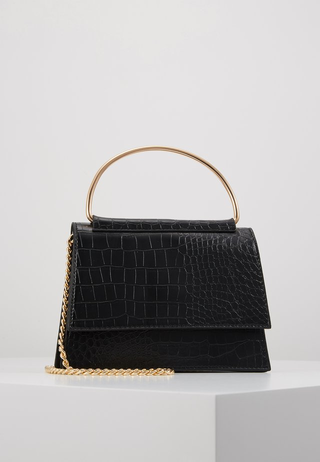 BAR DETAIL SNAKE CHAIN BOXY HANDBAG - Handtasche - black