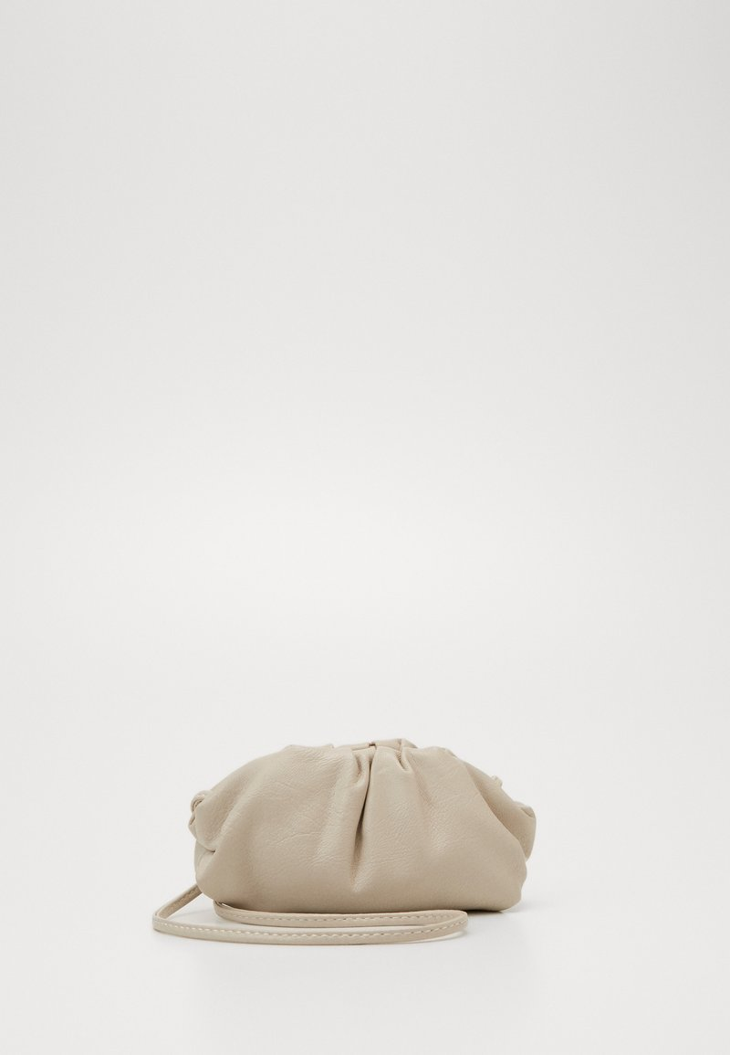 Missguided - MINI POUCH BAG WITH CROSS BODY STRAP - Taška spříčným popruhem - stone