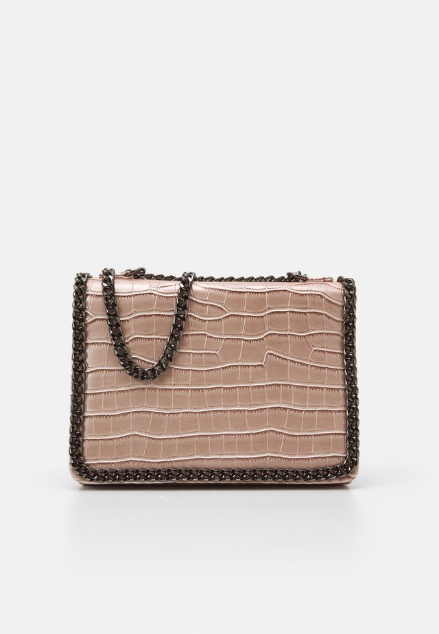 CHAIN TRIM SHOULDER BAG - Handtas - nude