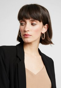 Missguided - CHAIN HOOP 4 PACK - Earrings - gold-coloured - 1