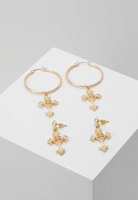 Missguided - ORNATE CROSS DROP HOOPS 2 PACK - Earrings - gold-coloured - 0
