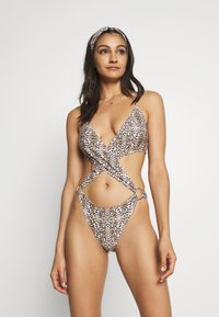 Missguided - EXTREME CUT OUT LEOPARD PRINT SWIMSUIT WITH HEADBAND - Swimsuit - brown - 0