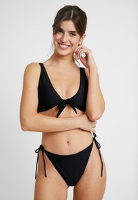 Missguided - PULL ON ADJUSTABLE STRAP TIE FRONT AND TIE SIDES HIGH SET - Bikini - black - 0
