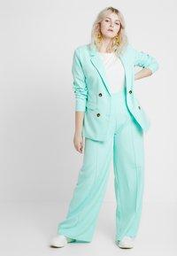Missguided Plus - CURVE CIGARETTE TROUSER - Kalhoty - mint green - 1