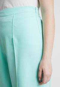 Missguided Plus - CURVE CIGARETTE TROUSER - Kalhoty - mint green - 4