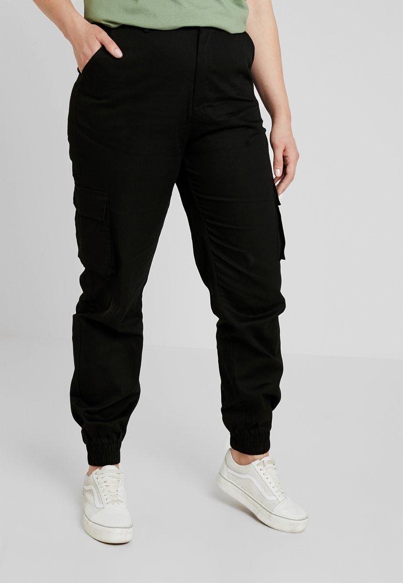 Missguided Plus - CARGO TROUSER - Bukse - black