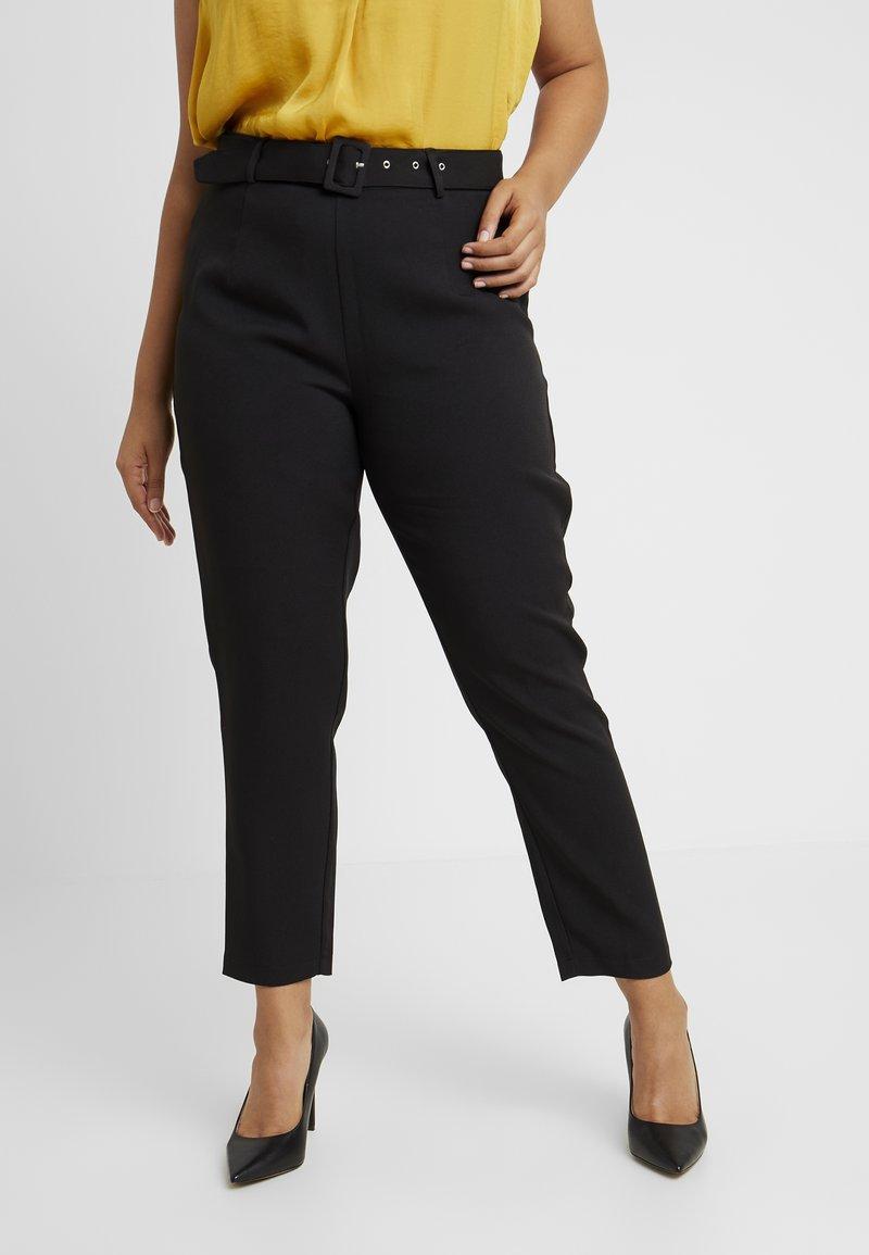 Missguided Plus - SELF BELT TROUSERS - Pantalones - black