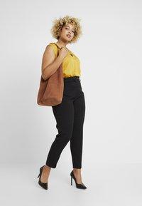 Missguided Plus - SELF BELT TROUSERS - Pantalones - black - 1