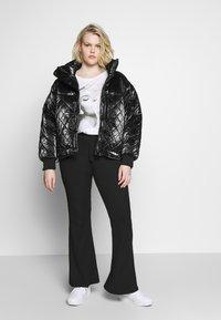 Missguided Plus - PLUS FLARE TIE BELT TROUSER - Trousers - black - 1