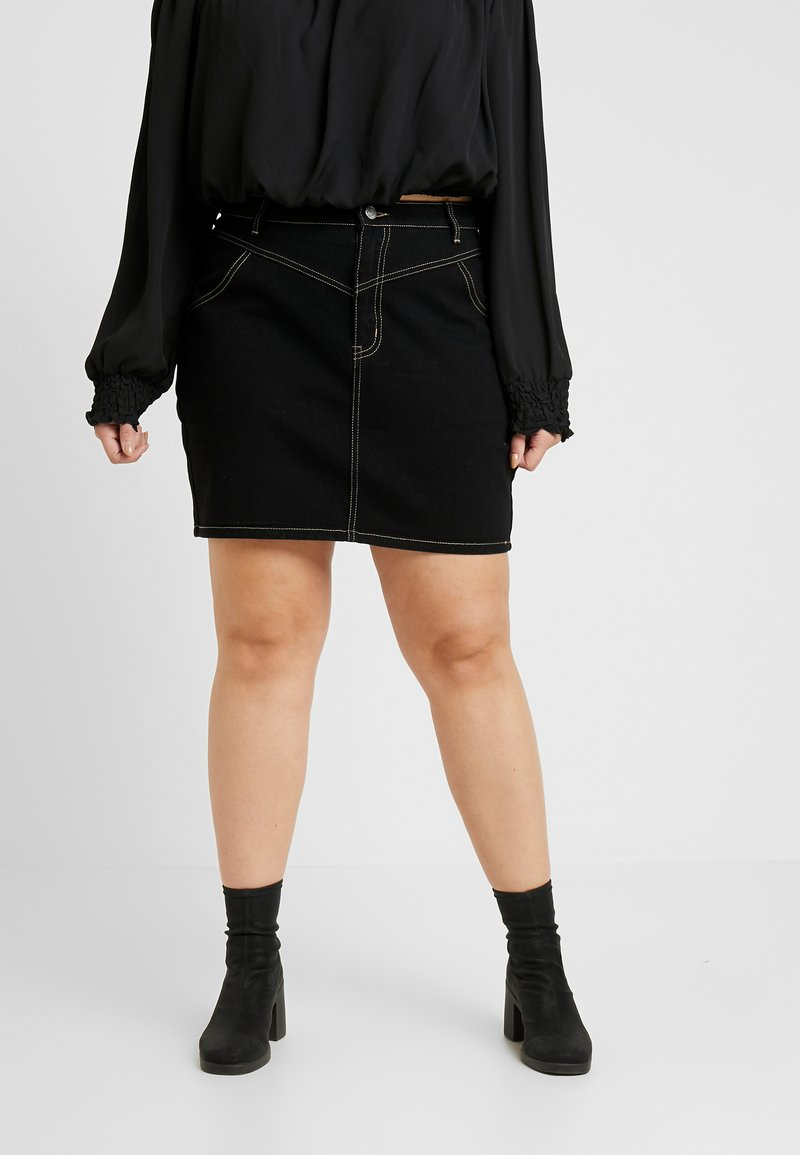 Missguided Plus - FRONT YOKE DETAIL CONSTRAST STITCH MINI SKIRT - Jeansrock - black