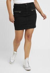 Missguided Plus - ZIP POCKET MINI SKIRT - Pouzdrová sukně - black - 0
