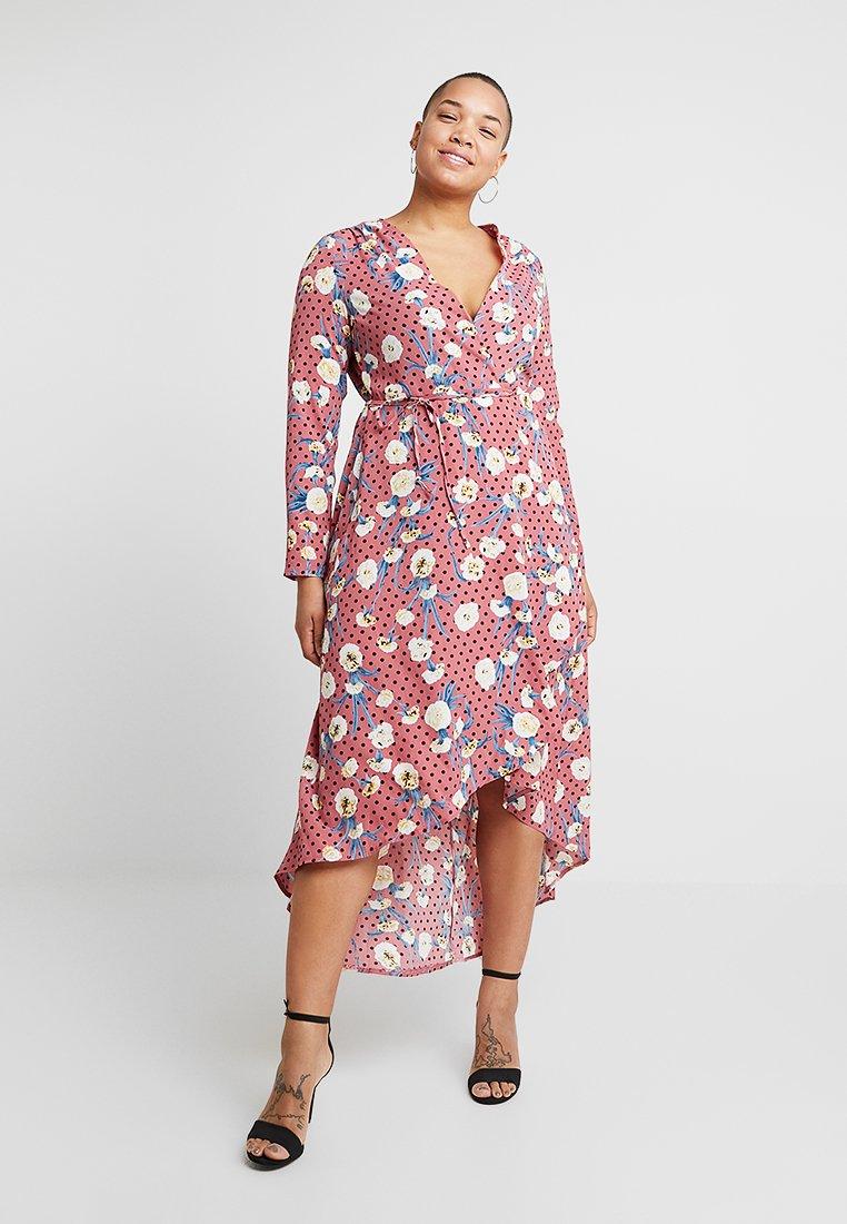 Missguided Plus - CURVE DOTTED FLORAL WRAP DRESS - Hverdagskjoler - pink