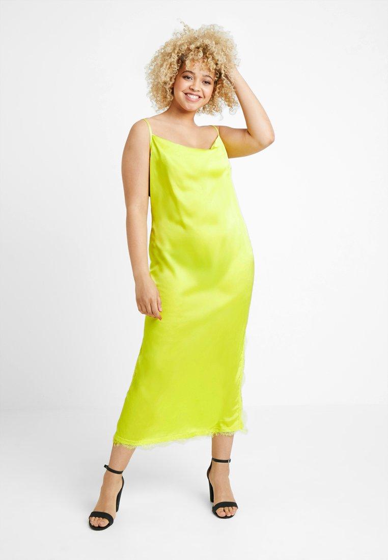 Missguided Plus - SIDE SPLIT MIDAXI DRESS - Maxi šaty - limeade