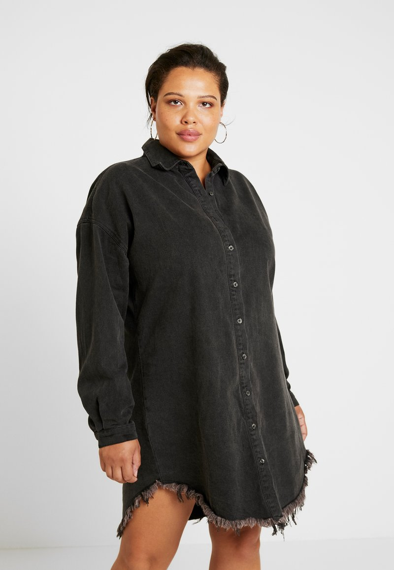 Missguided Plus - OVERSIZED FRAY HEM DRESS - Denim dress - black