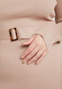 Missguided Plus - ROLL NECK BELTED MIDI DRESS - Fodralklänning - chocolate - 6
