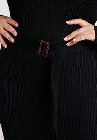 Missguided Plus - ROLL NECK BELTED MIDI DRESS - Pouzdrové šaty - black - 5