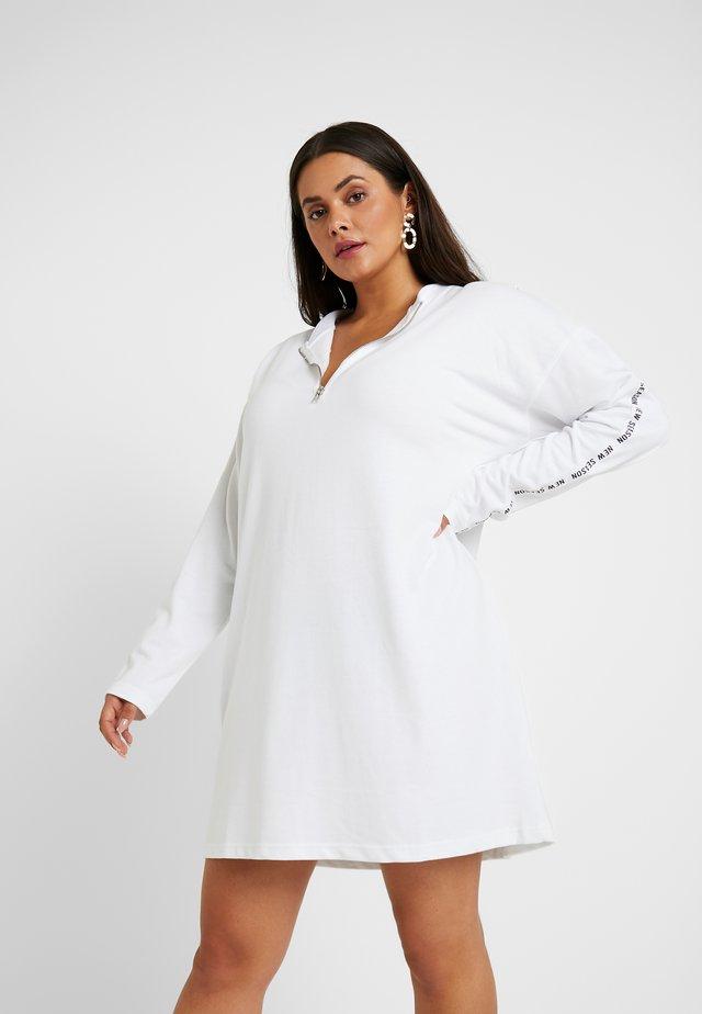 CURVE ZIP FRONT SLOGAN DRESS - Robe d'été - white