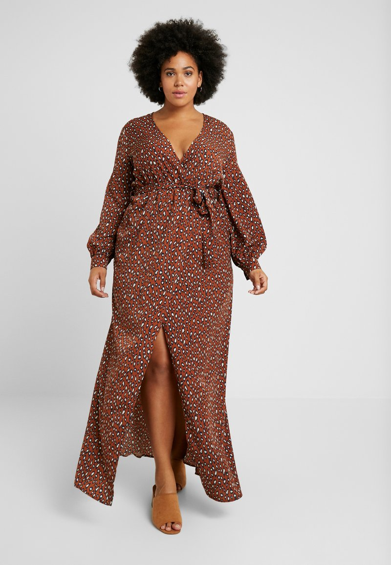 Missguided Plus - PLUNGE LEOPARD PRINT DRESS - Maxikleid - cognac