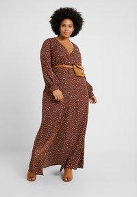 Missguided Plus - PLUNGE LEOPARD PRINT DRESS - Maxi dress - cognac - 2