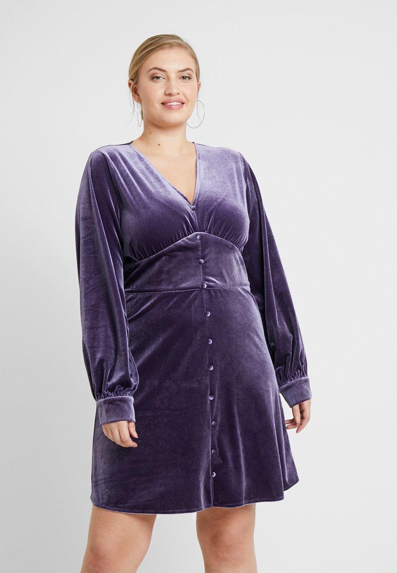 Missguided Plus - BUTTON FLARED MINI DRESS - Robe d'été - purple