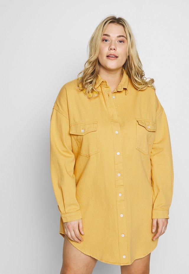 OVERSIZED BOYFRIEND DRESS - Freizeitkleid - yellow