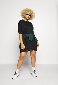 Missguided Plus - OVERSIZED DRESS - Robe en jersey - black - 1
