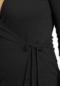 Missguided Plus - PLUS SIZE RIBBED TIE SIDE MIDI COLLAR DRESS - Jerseykjole - black - 5