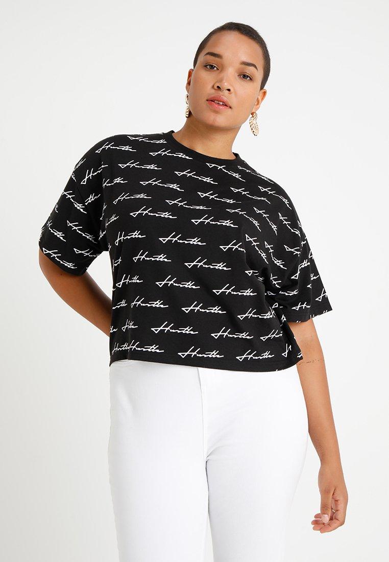 Missguided Plus - CURVE HUSTLER SLOGAN  - T-shirt imprimé - black