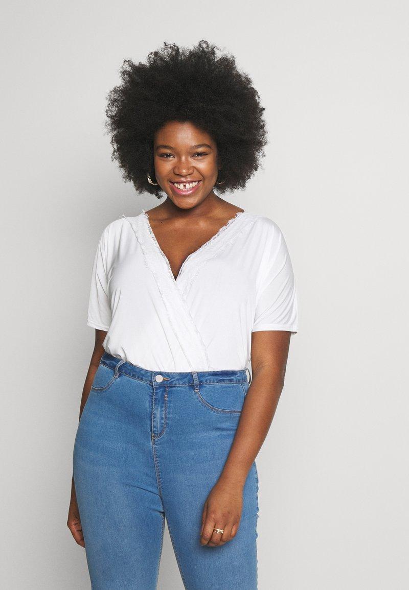 Missguided Plus - SHORT SLEEVE TRIM BODYSUIT - T-shirt imprimé - white
