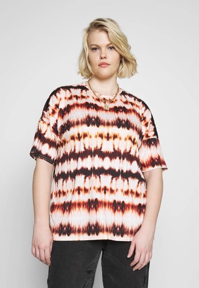 TIE DYE OVERSIZED - Print T-shirt - tan