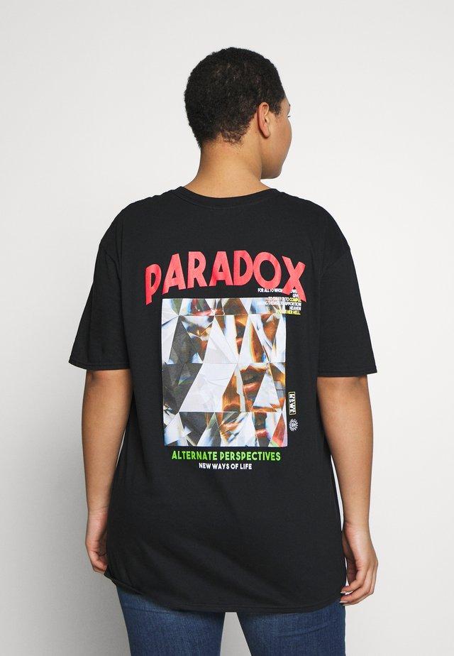 PARADOX BACK OVERSIZED - T-shirt imprimé - black
