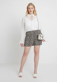 Missguided Plus - CURVE DOBBY BLOUSE - Blouse - white - 1