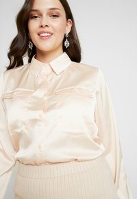 Missguided Plus - OVERSIZED DRAWSTRING WAIST - Košile - champagne - 3