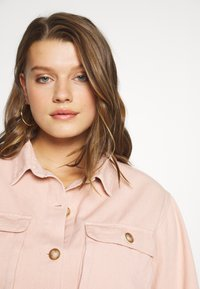 Missguided Plus - SHIRT WITH BUTTONS - Skjorte - pink - 3