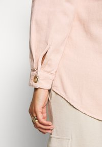 Missguided Plus - SHIRT WITH BUTTONS - Chemisier - pink - 5