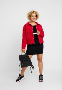 Missguided Plus - PLUS SIZE SHACKET - Lett jakke - berry - 1